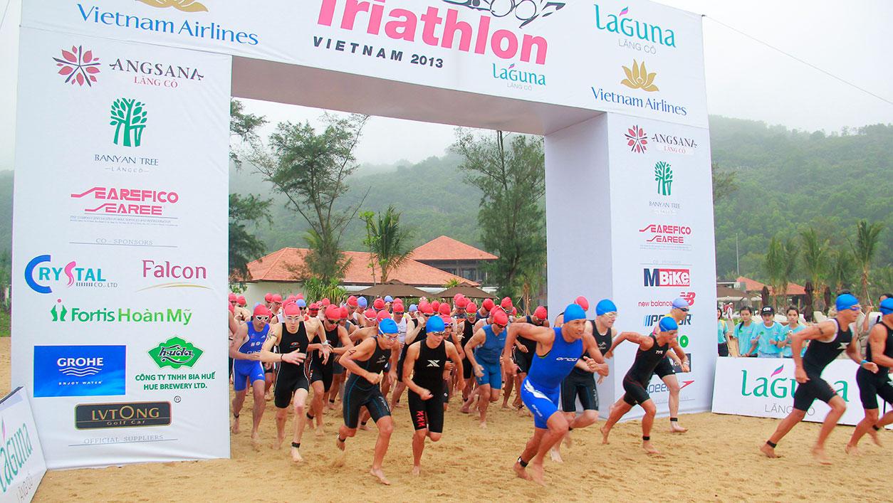 Cuộc thi quốc tế ba môn phối hợp Laguna triathlon 2013