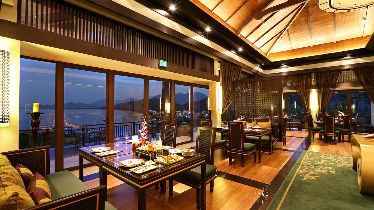 Banyan-Tree-Lang-Co-Saffron-Restaurant-1