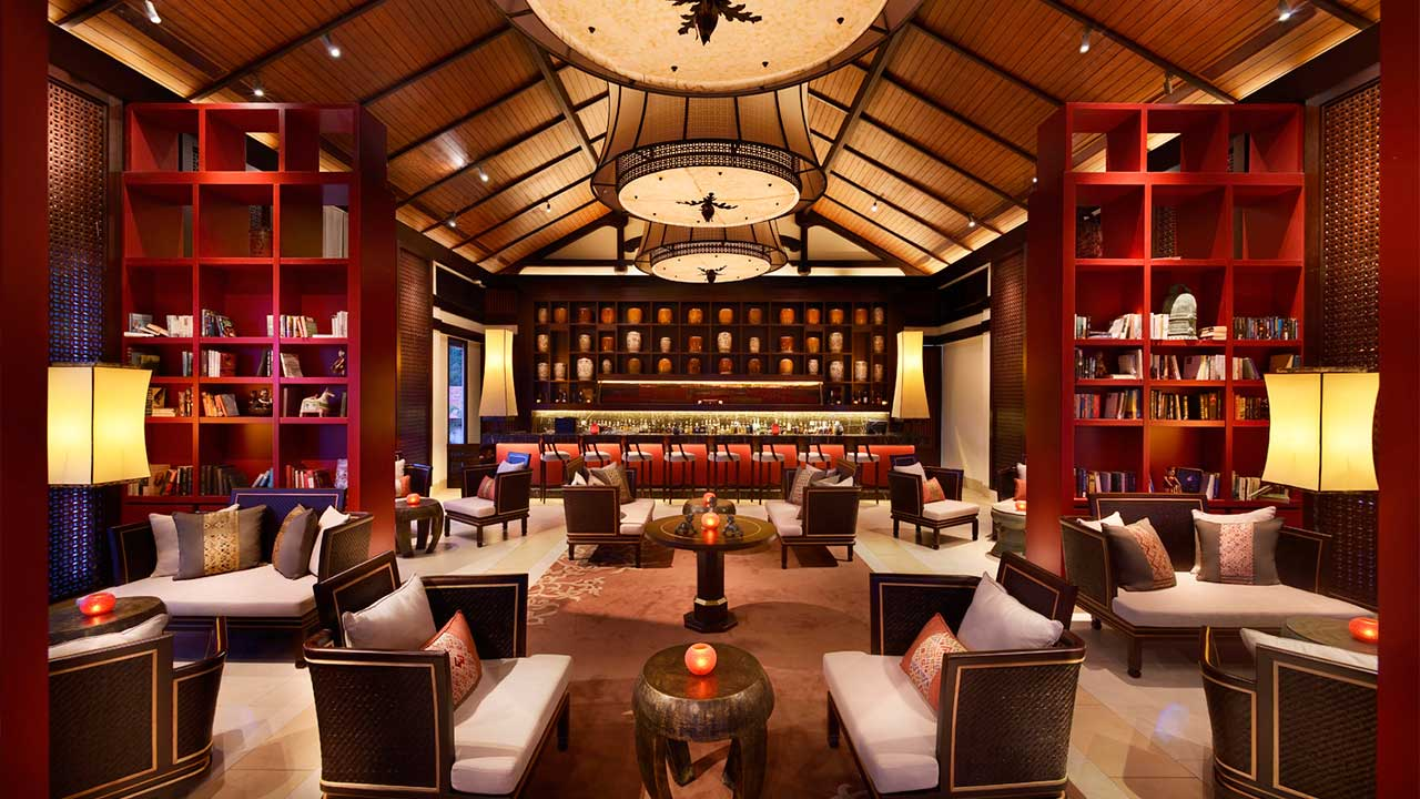 Banyan-Tree-Lang-Co-Thu-Quan-Library-and-Bar