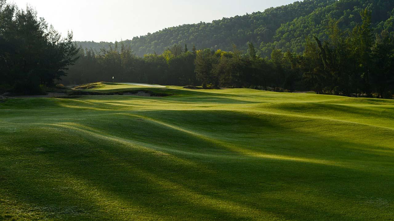 Sân gôn Laguna Golf Lăng Cô