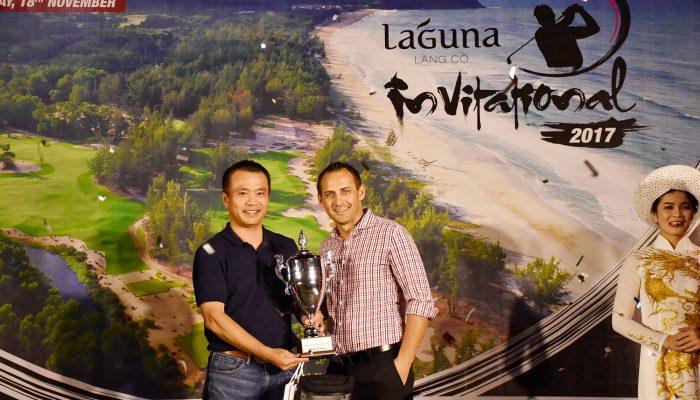 Mr Ton Duc Sau received the award - Laguna Invitational 2017