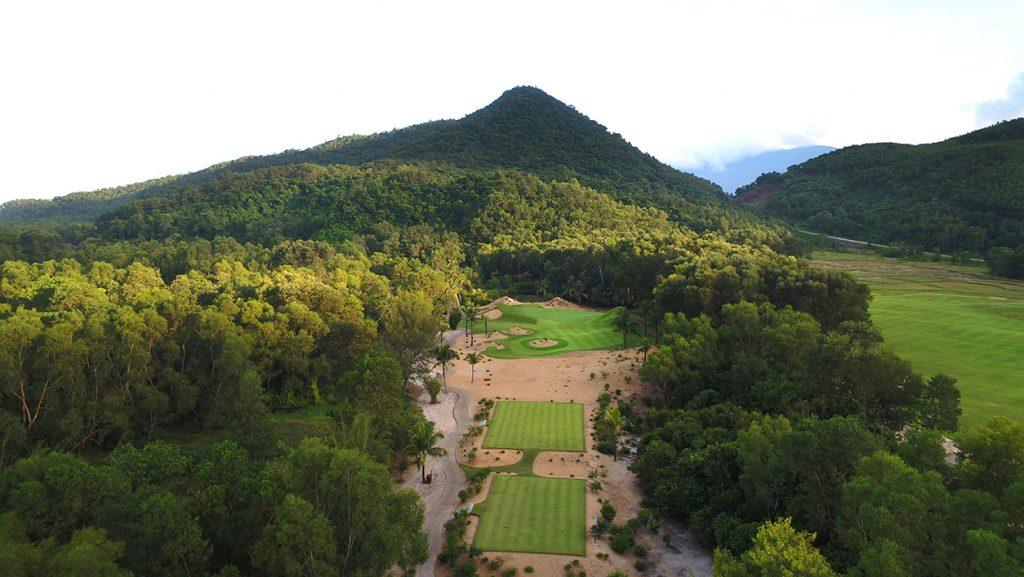 Sân golf tiêu chuẩn quốc tế Laguna Golf Lăng Cô