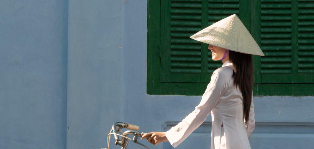 Đi tìm chiếc nón bài thơ xứ Huế