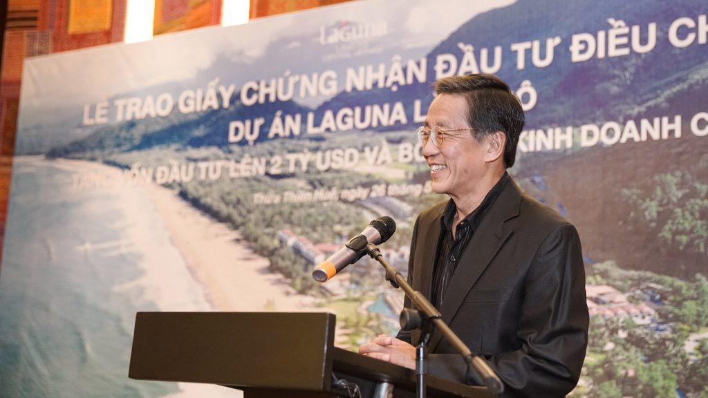Mr. Ho Kwon Ping, Executive Chairman of Banyan Tree Holdings, delivered speech showing commitment of investors in this project