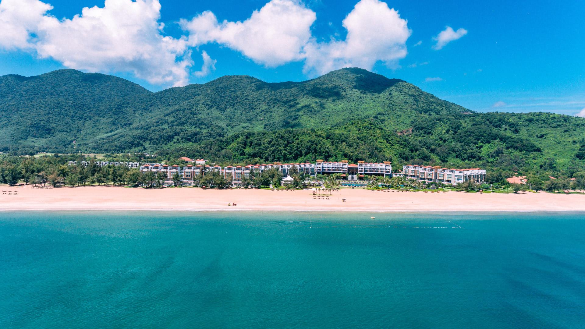 Khu nghỉ dưỡng phức hợp quốc tế Laguna Lăng Cô