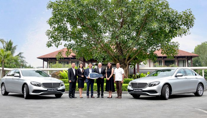 Mercedes-Benz Vietnam handed over 2 E200 to Laguna Lăng Cô