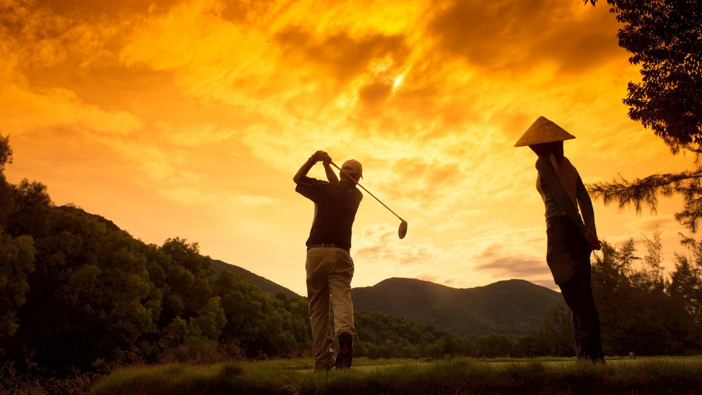 GOLDEN HOUR - Golf Daily Promotion