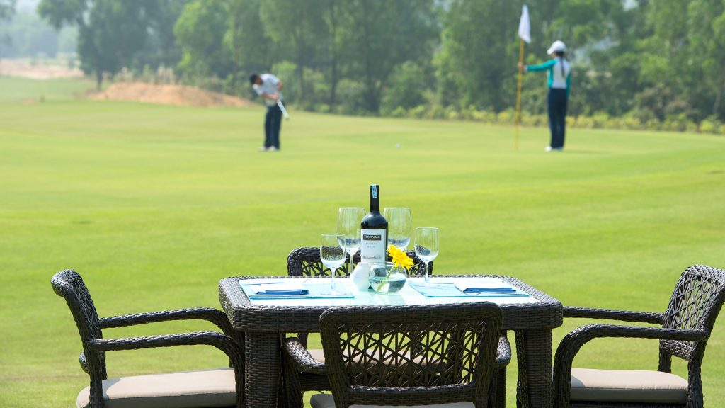 NINE & DINE - Golf Daily Promotion