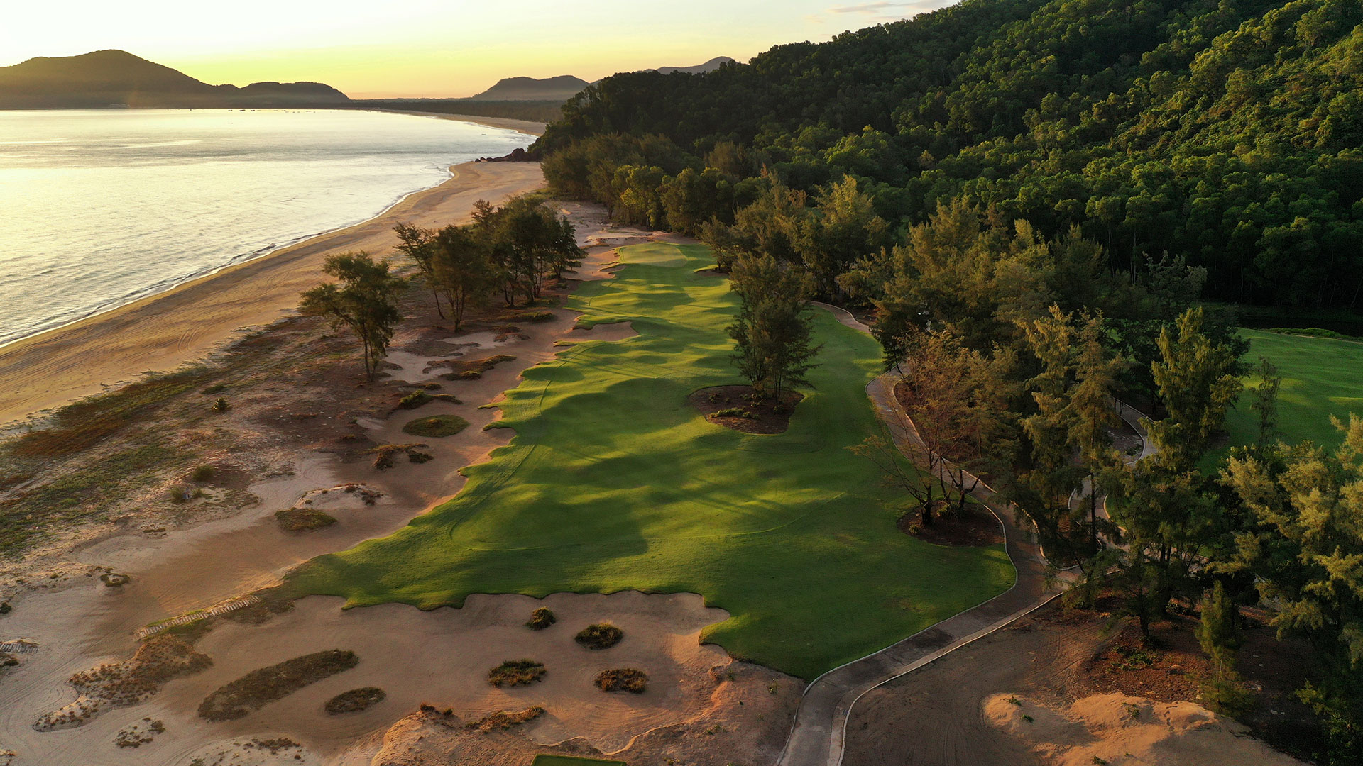 Sunrise - Laguna Golf Lang Co